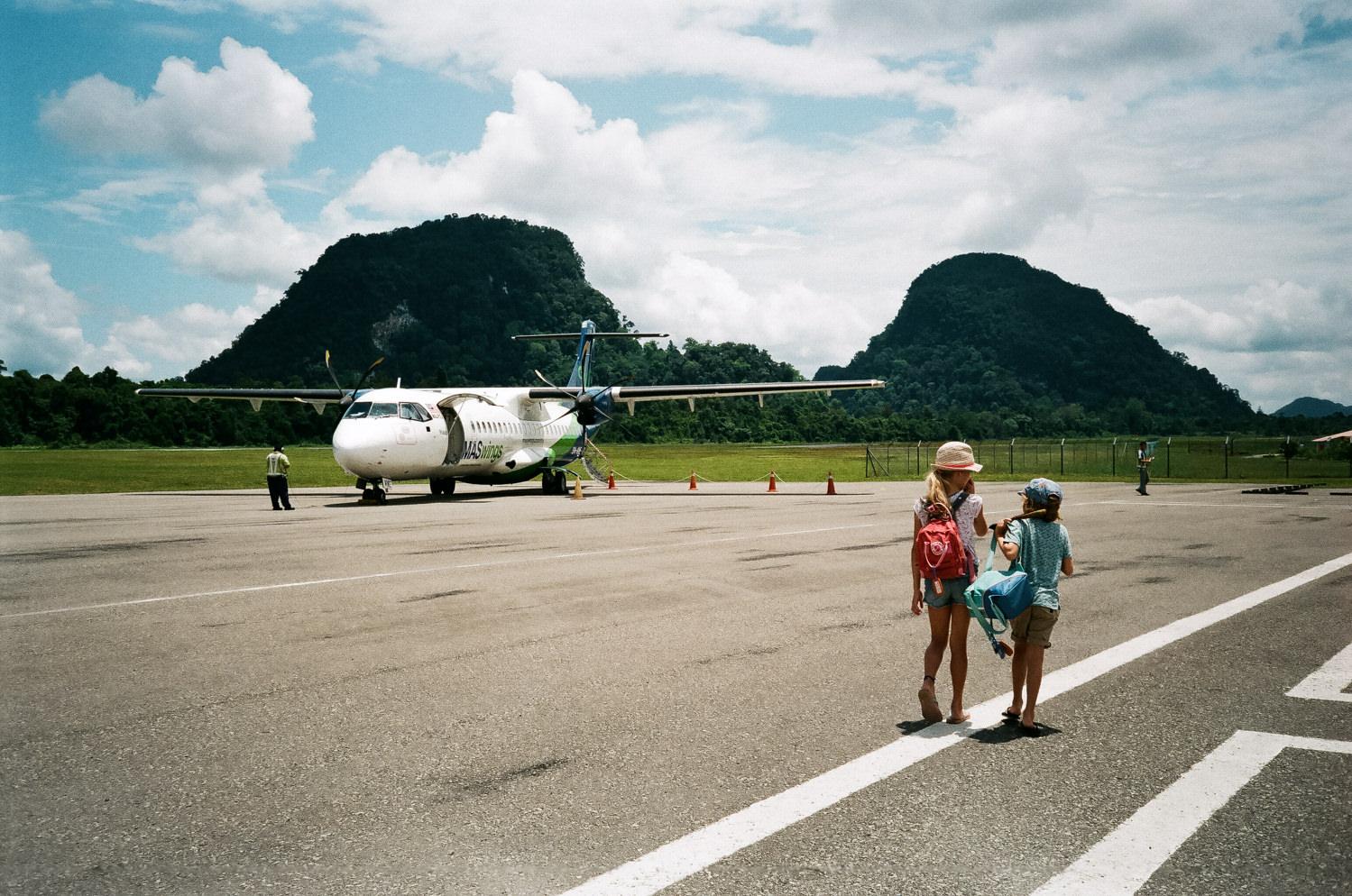 flight to Mulu